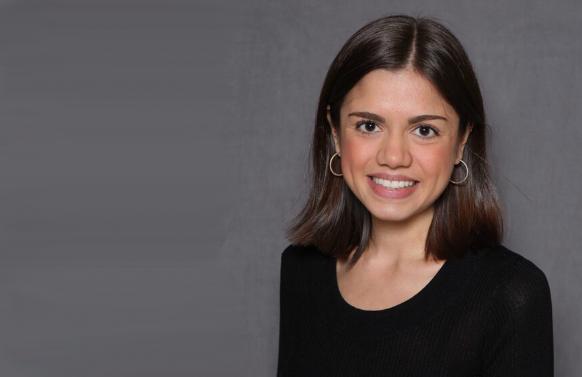 Reporter Elisha Ortiz (Fieldstadt)