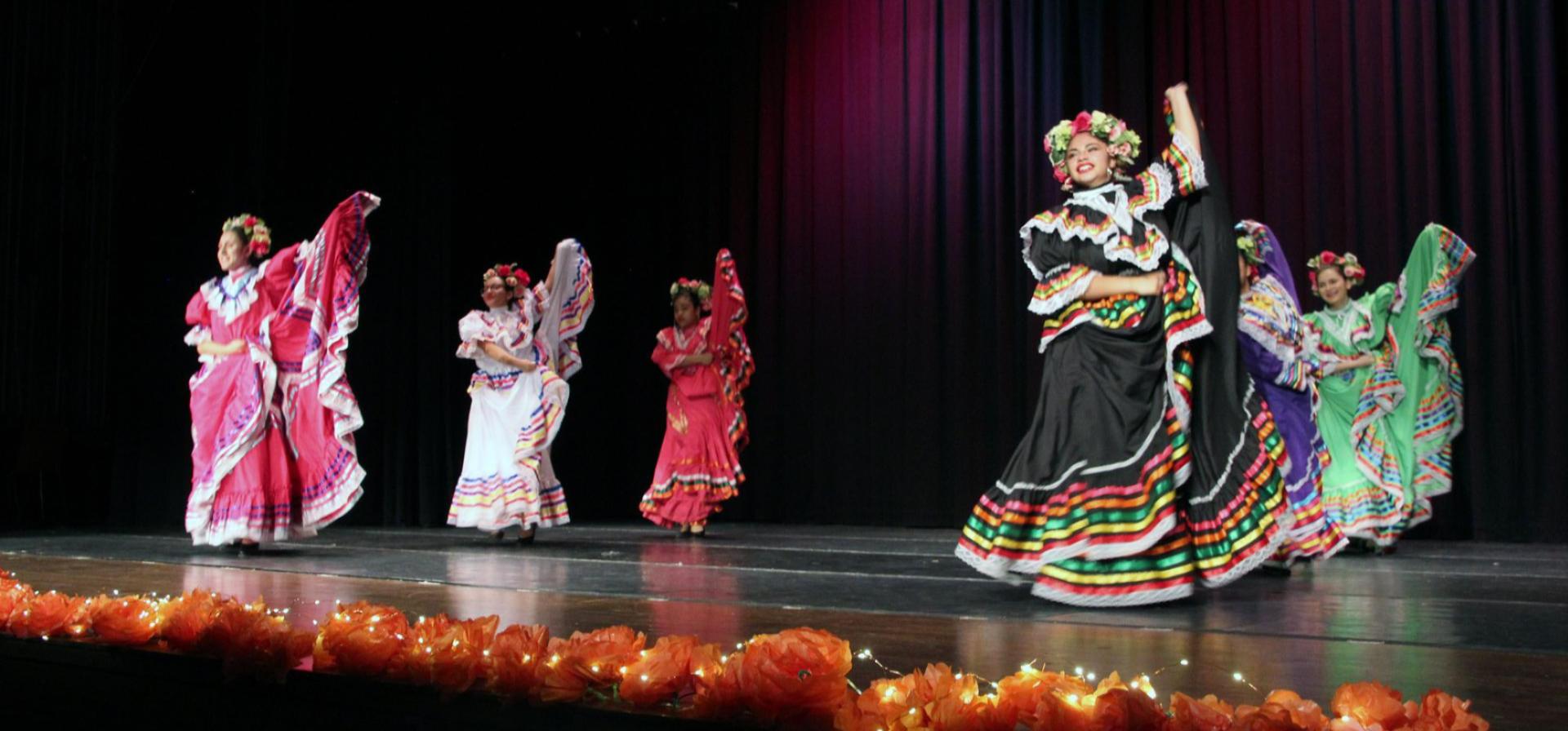 Image of Orgullo Mexicano Dancers
