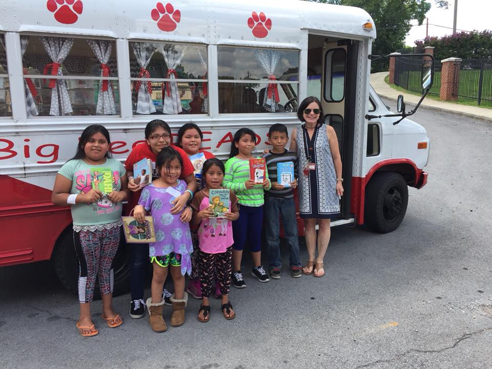 Students and their Big Red READS books