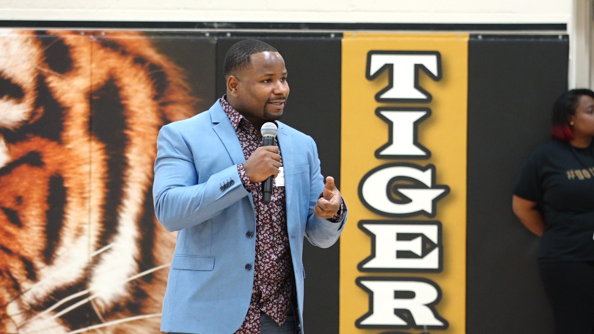 Area businessman shares personal triumph to motivate incoming 9th graders