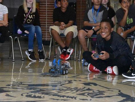 LJHS student controls his battlebot