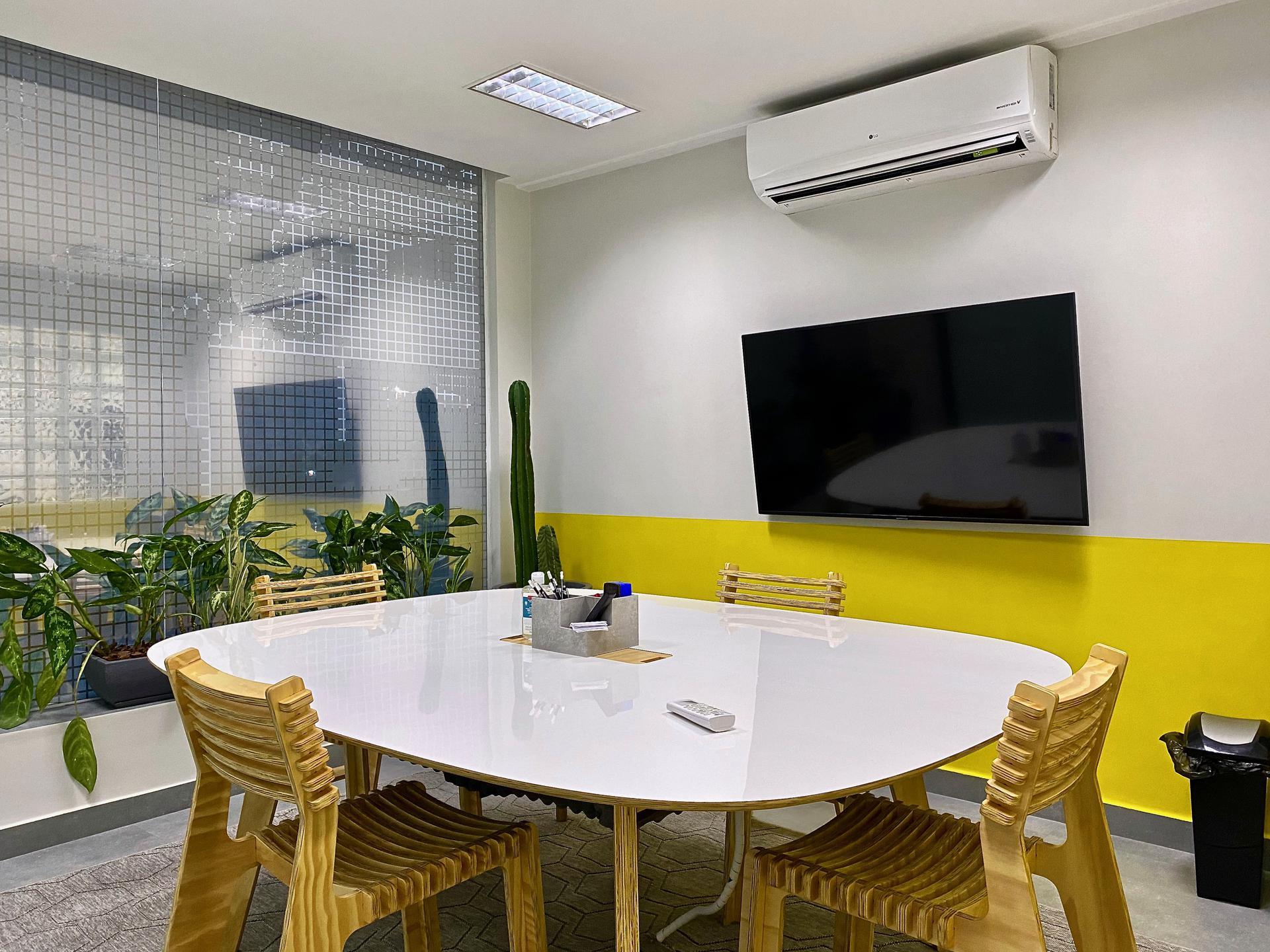 Sala de reunião Linha Amarela