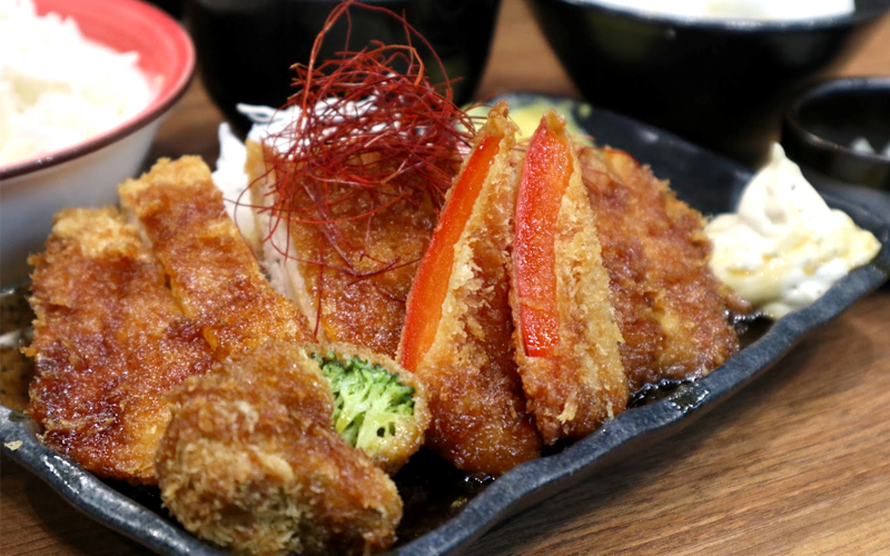 imakatsu - Juicy Fried Chicken with Unlimited Cabbage and Rice~