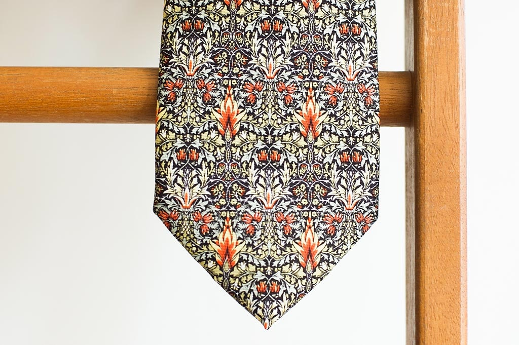 MORRIS SNAKESHEAD SILK TIE by FOX & CHAVE