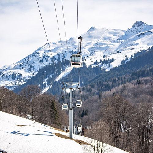 La station de Méribel (Savoie) vend ses télécabines vintages ! Art_Olympe
