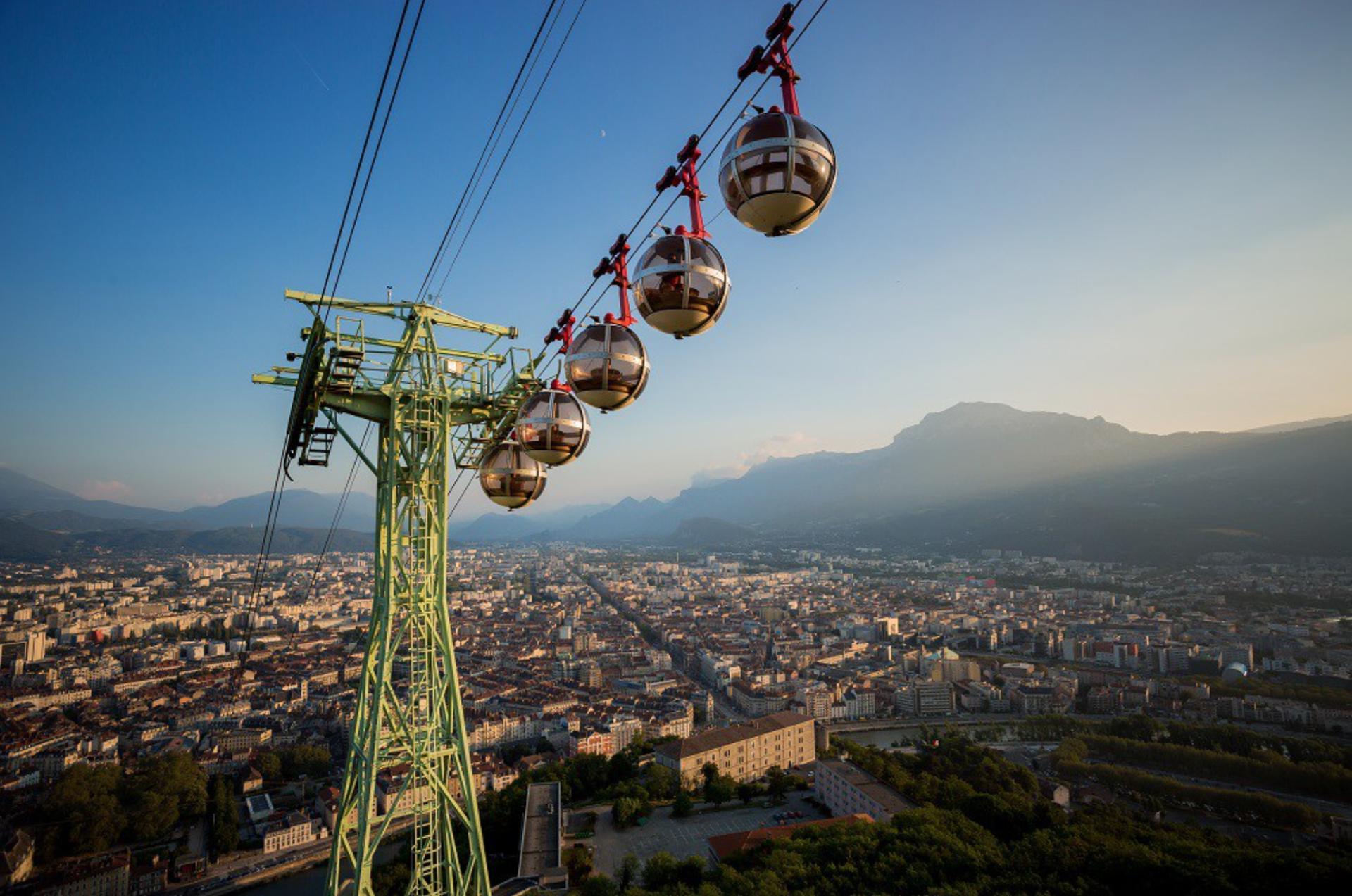 Tourisme à Grenoble  : les cinq spots de l'Isère à découvrir cet été Capture%20d%E2%80%99e%CC%81cran%202021-06-24%20a%CC%80%2012.40.38