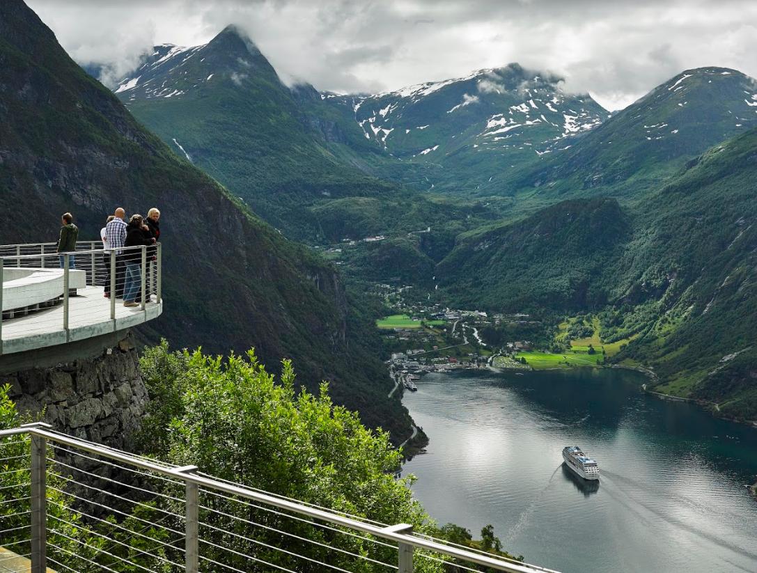 Noorwegen - Mike Louangie
