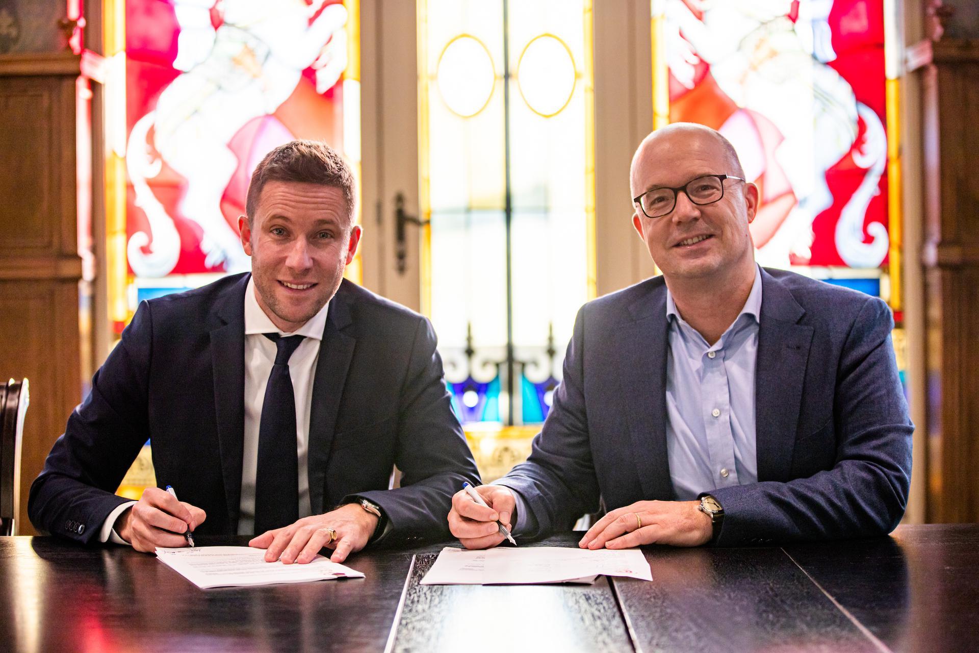 Ondertekening contract Efteling/Puy du Fou